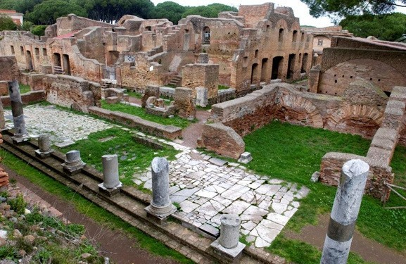 Ostia-Antica-Half-Day-Tour-from-Rome-by-Train