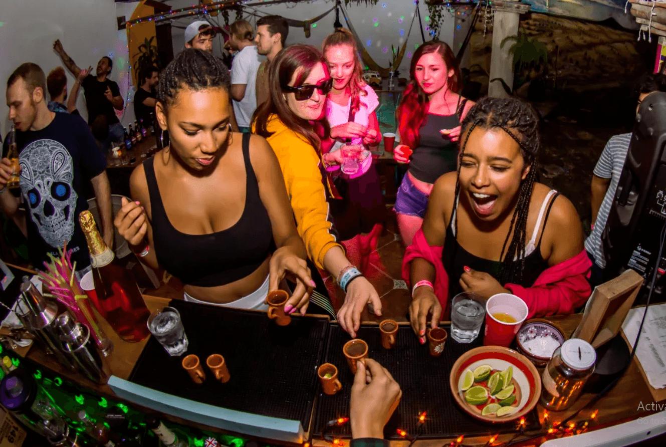 Fiesta Party Hostel Cancun